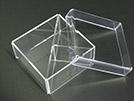 contenitore con coperchio in materiale plastico